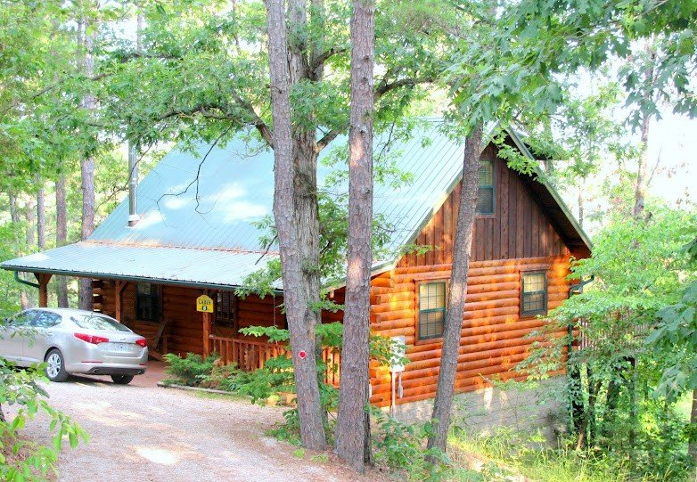 Cabin Fever Resort - Cabin #8, holiday rental in Holiday Island