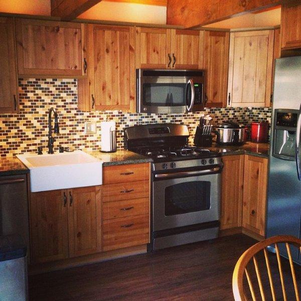 Remodeled 2 Bed 2 Bath 1125SqFt 1 King,2 Queens,2 twin, location de vacances à Big Bear Region