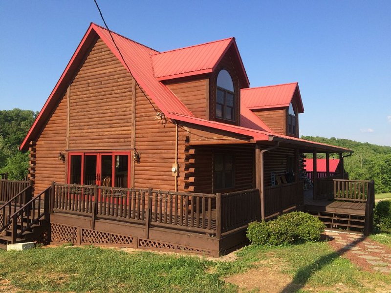 Beautiful, very private, 3 bedroom, 2 bath log cabin near Rock Island State Park, holiday rental in Sparta