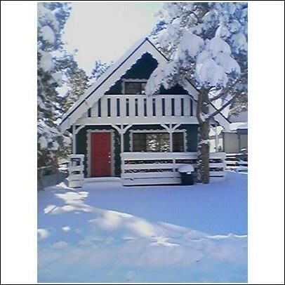 Cozy Cabin-2 Bedroom+Loft/2 Bath Wonderful Cabin in Big Bear!, vacation rental in Big Bear City