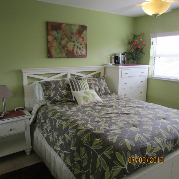 New Queen size bed