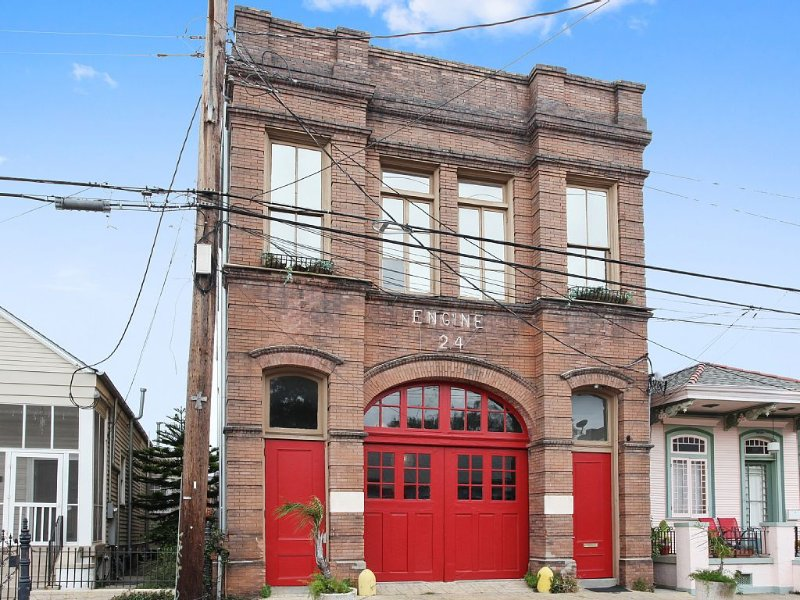 Engine 24 French Quarter Firehouse...a Unique Vacation Home!, holiday rental in New Orleans