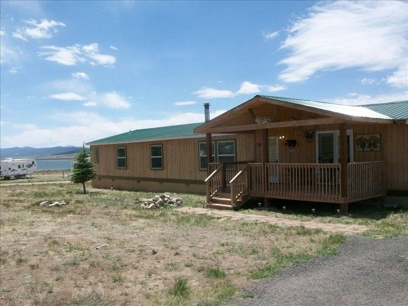 Large House, Lake and Mountain Views ~ Angel Fire Ski Resort, vacation rental in Eagle Nest