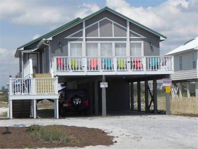Adorable Beach Cottage-Rest Relax &Play at The Lazy Turtle-Pet Friendly, holiday rental in Gulf Shores