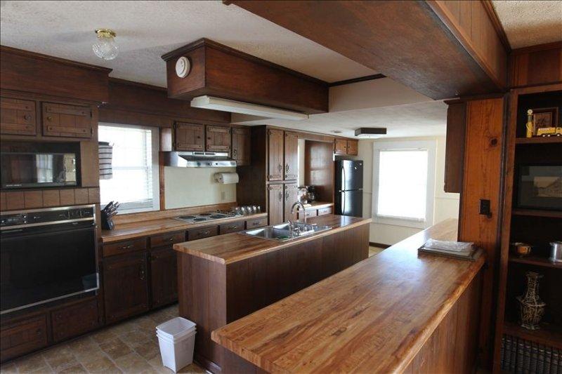 Lakeview Home on Jonathan Creek (Sleeps 6), aluguéis de temporada em Draffenville