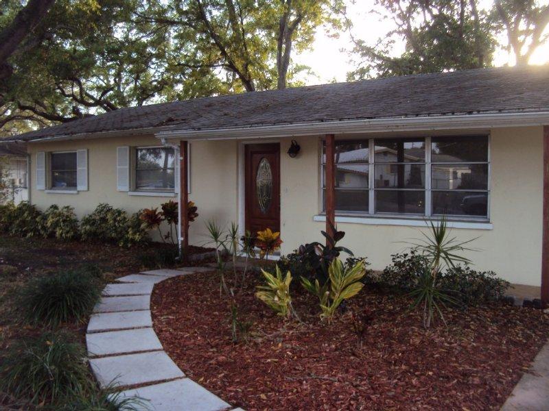 Vacation Rental; 3 bedroom/2 bathin a quiet neighborhood – semesterbostad i Sarasota