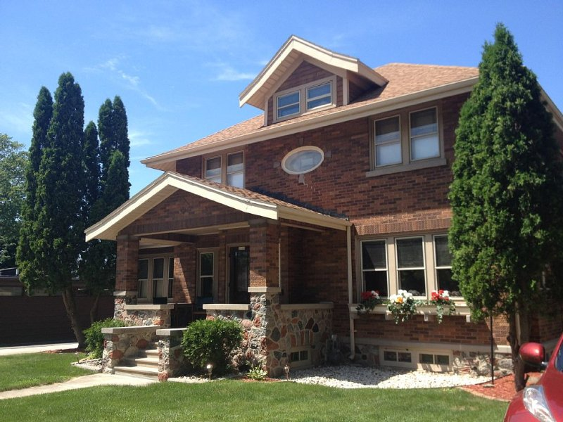 Vintage Plymouth, WI, EAA, PGA Golf, Green Bay Packers, Road America, 4bed/3bath, location de vacances à Kohler