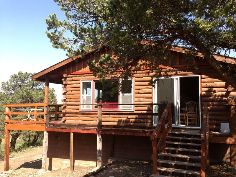 Away from corona, Spectacular Mountain Views. Royal Gorge/Westcliffe Internet!, holiday rental in Silver Cliff
