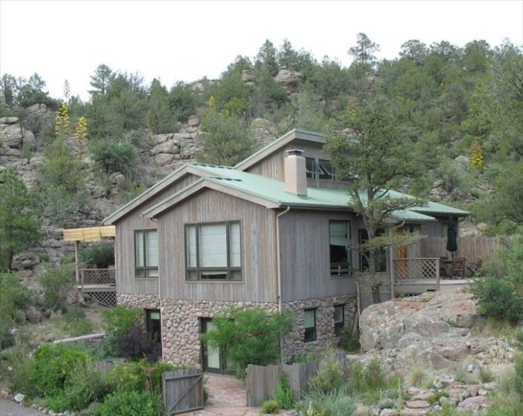 Secluded & Luxurious Mountain Sanctuary Near Gila Wilderness!, holiday rental in Pinos Altos