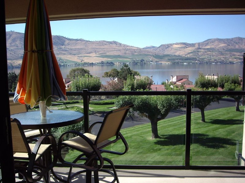 Most Updated Deluxe Condo At Lake Chelan Shores, aluguéis de temporada em Chelan