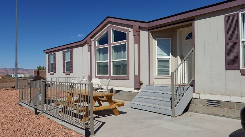 3 Bedroom, 180 Degree Views, Minutes From Horseshoe Bend and Antelope Canyon, Ferienwohnung in Page