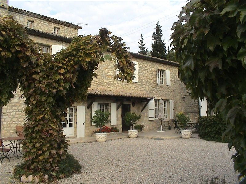 18th Cent. Stone Mas in Uzès on 5 acres - Stunning Views!, holiday rental in Arpaillargues