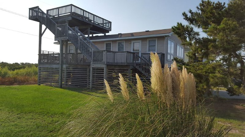 Comfortable Beach Cottage In South Nags Head, holiday rental in Wanchese