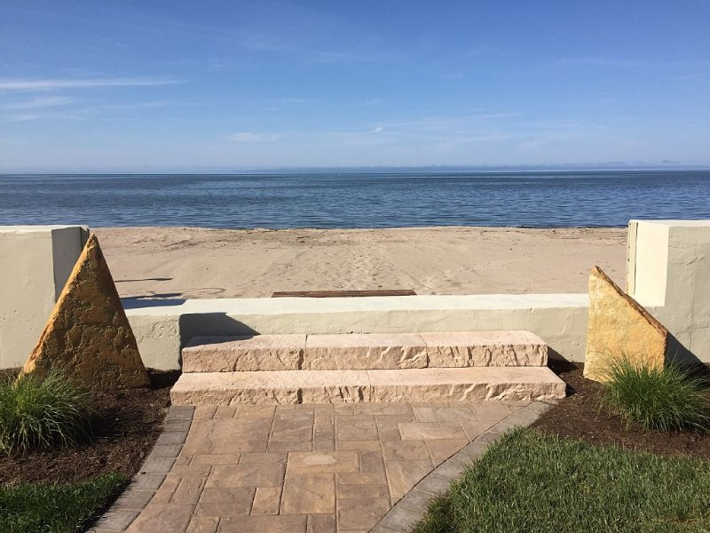 Beachfront Home on Lake Ontario w/ 50' of Sandy Beach!, holiday rental in Fairport