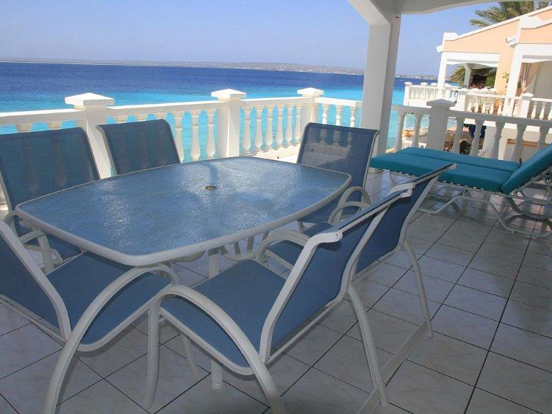 Special 10% discount (April-Nov). Belair Oceanfront Condo with Fabulous View., alquiler vacacional en Kralendijk
