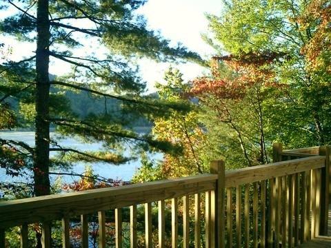 Romantic Lake Retreat- On beautiful, clear Lake Nantahala, holiday rental in Topton