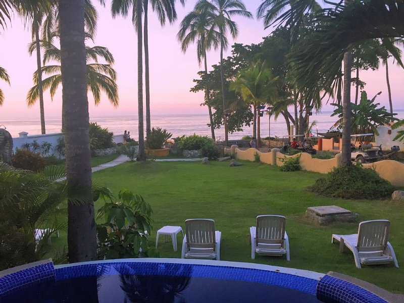JAW-DROPPING SAYULITA BEACHFRONT home! Heated pool on perfect ocean view deck., holiday rental in Sayulita