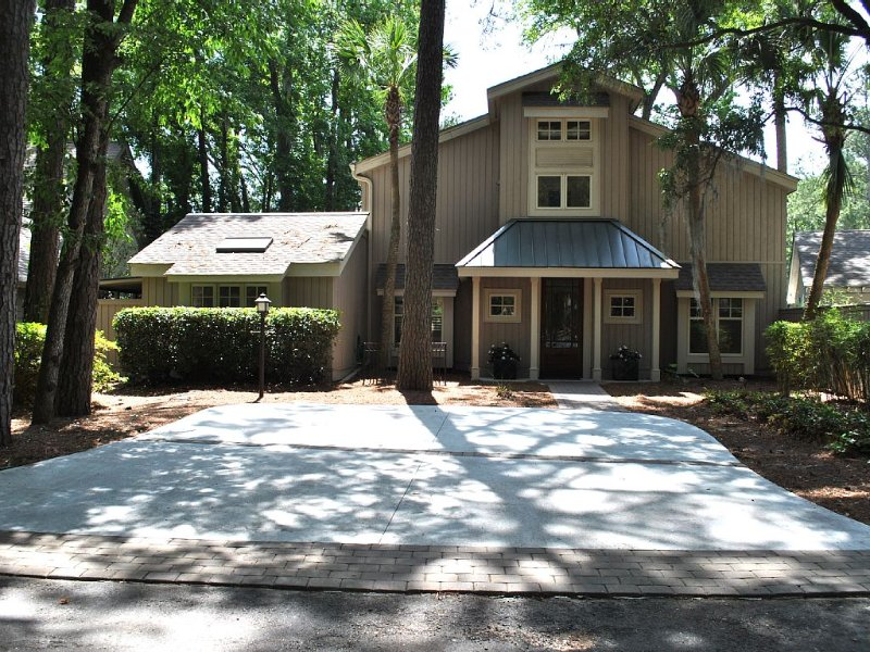 Spectacular Home with Brand New Pool in Harbour Town! Rare December cancellation, holiday rental in Hilton Head