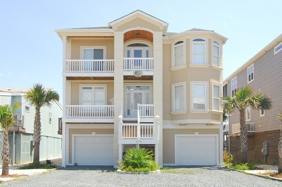 Gorgeous New Home Directly On The Beach With Panoramic Views, vacation rental in Ocean Isle Beach