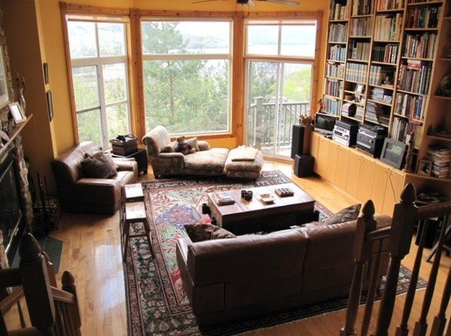 Mont-Tremblant, Ski-in/Ski-Out Lakeview, 4-Bedroom Mountainside Townhome, alquiler vacacional en Mont-Tremblant National Park