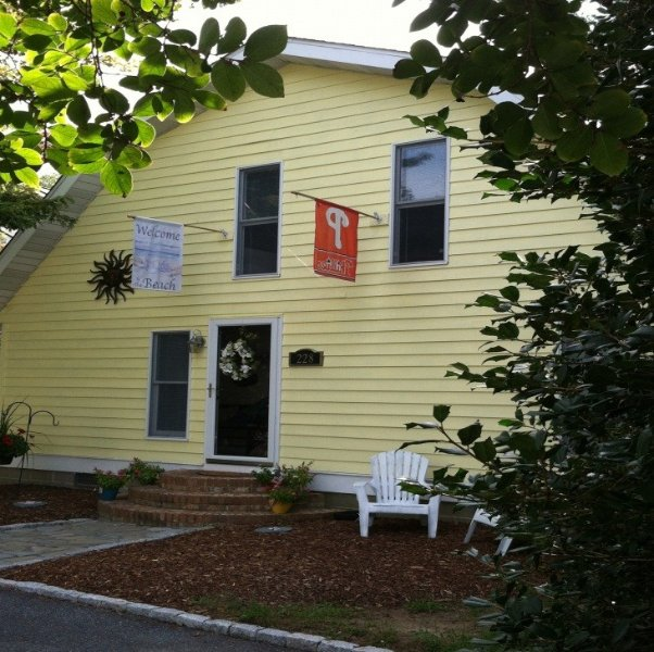 3 Blocks From The Beach - Sleeps 10 - 12, alquiler de vacaciones en Rehoboth Beach