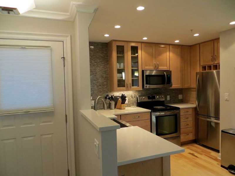 Newly remodeled bright open floor plan located in the heart of Boulder, holiday rental in Eldorado Springs