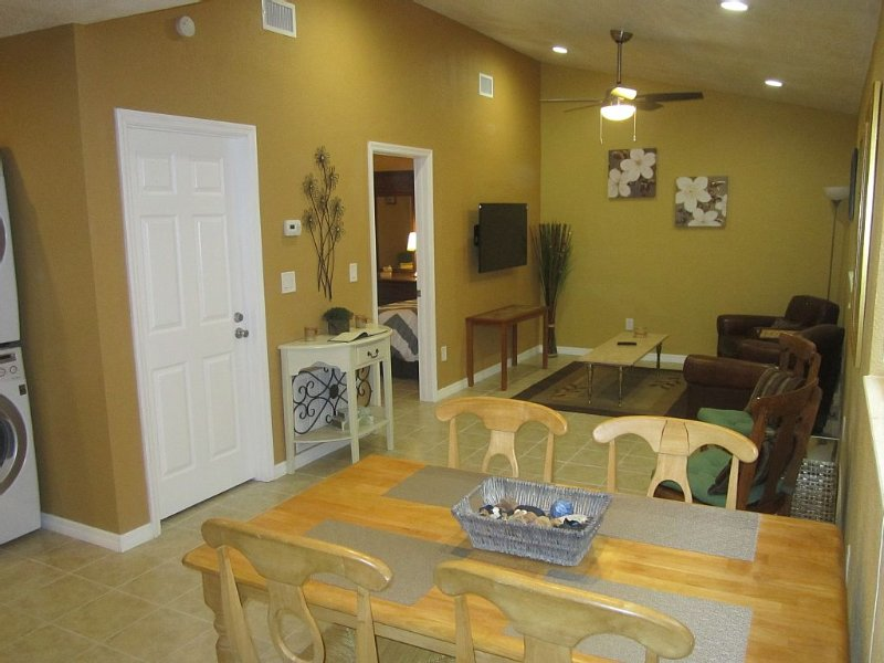 Lutz Cottage Apartment - Beaches / Busch Gardens / Disney / USF / Pets, alquiler de vacaciones en Lutz