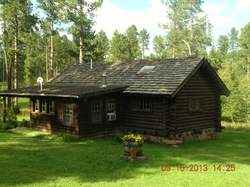 Black Hills - Little Elk Cabin (CCC Built) in  Vanocker Canyon Near Nemo!, alquiler vacacional en Nemo