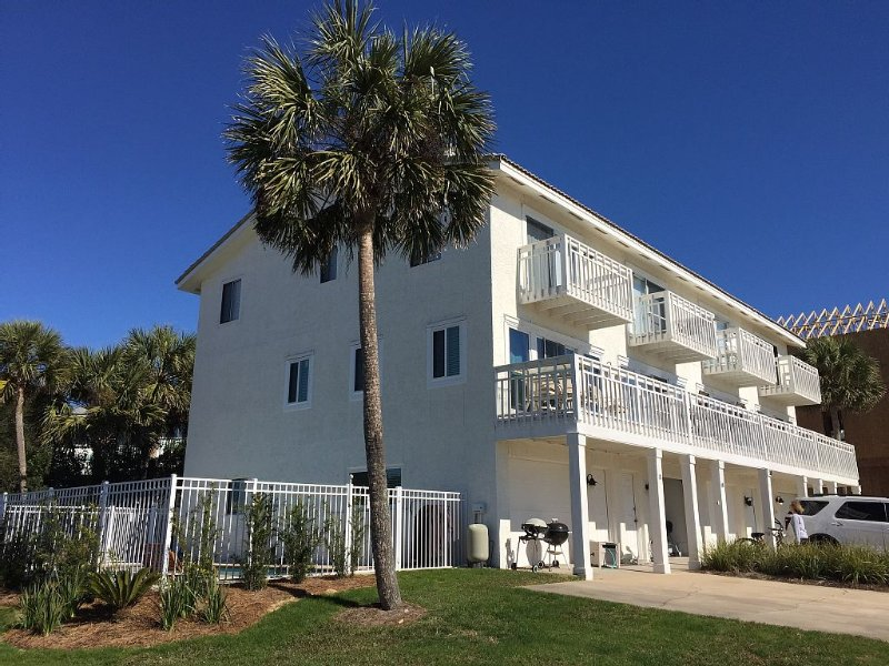 Awesome 3BR/3.5BA with Gulf views on the south side of 30A in Seacrest Beach., vacation rental in Seacrest Beach