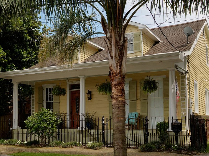 November Sale!,  Gorgeous house,  great location, pet friendly   #17STR-04198, holiday rental in New Orleans