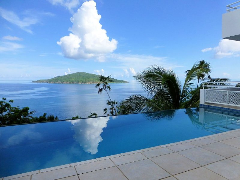Panoramic Ocean Views,  Sleek,  Elegant,  3 Bedroom Contemporary Villa, vacation rental in Magens Bay