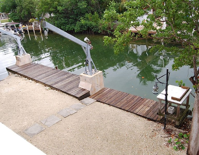 Your Best Fishing And Relaxing Experience! (2/2) Waterfront Home, holiday rental in Ramrod Key