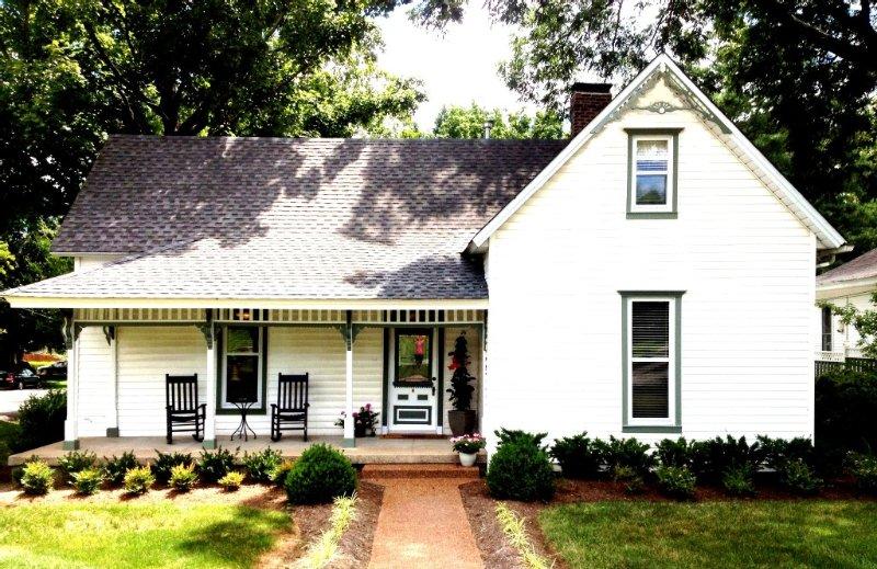 FBI - Franklin Battlefield Inn  (Downtown Franklin, TN!), holiday rental in Franklin