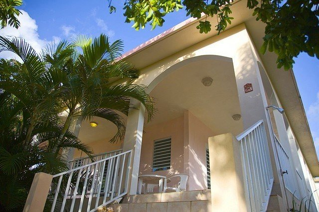 Modern, Elegant Home Close to Esperanza Waterfront Restaurants, vacation rental in Isla de Vieques