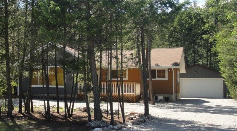 Fairmont Hot Springs Chalet, holiday rental in Canal Flats