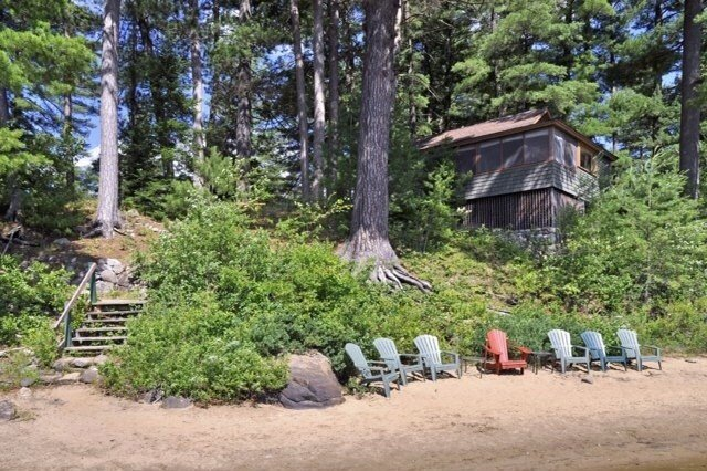 Adorable Historic Adirondack Lakefront Cottage on Long Lake, holiday rental in Indian Lake