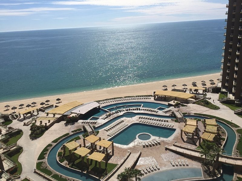 Beautiful oceanfront condo on the 10th floor in PHASE 2-Most desired 2bed 2bath, vacation rental in Puerto Penasco