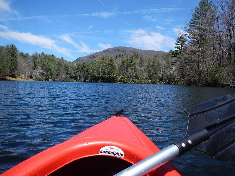 Unplug, hike, fish, kayak & relax.  Reconnect with nature ., location de vacances à Jackson County