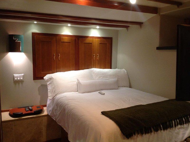 Beautiful Modern European Style in-Law Unit-Albany/Tropical Yard, casa vacanza a El Cerrito
