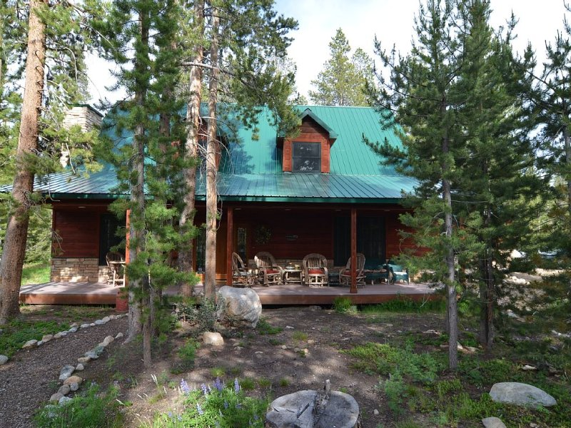 Beautiful Mountain Home close to Grand Lake and Rocky Mountain National Park, holiday rental in Grand Lake