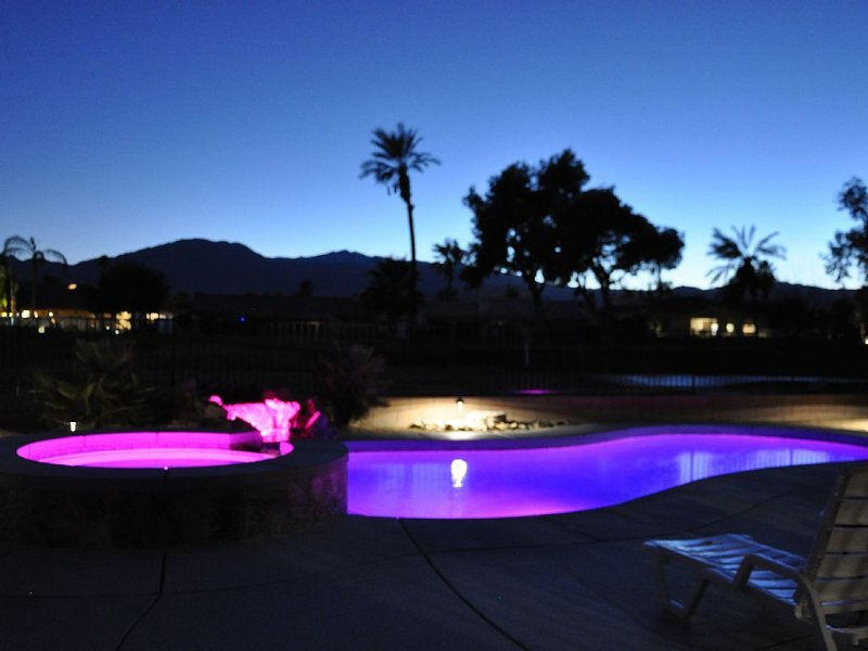 New, Spacious Home With Private Pool, Gated Community, Next To The Polo Grounds, alquiler de vacaciones en Indio