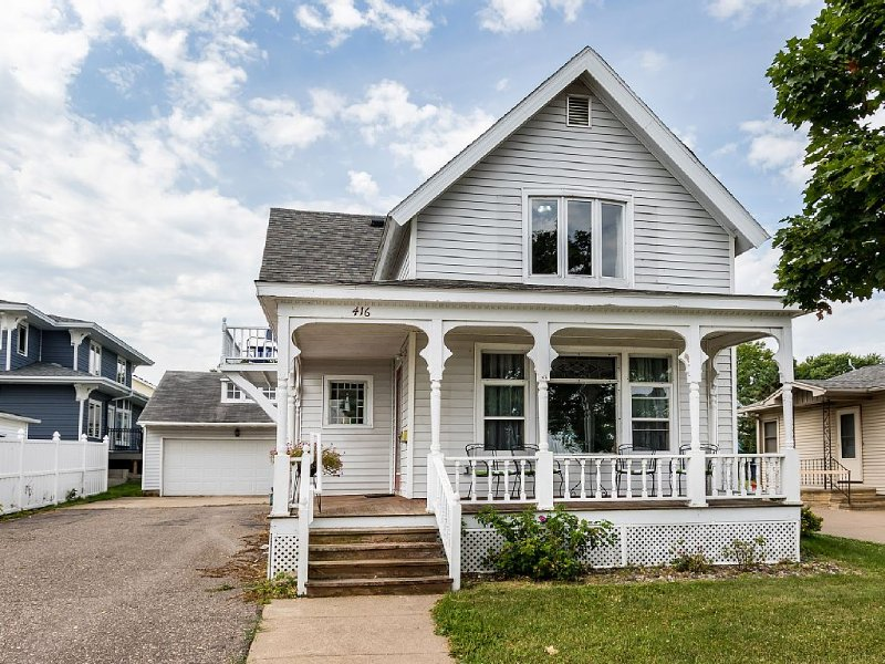 Totally Remodeled Accessible  Victorian:  Steps From Everything, holiday rental in Lake City