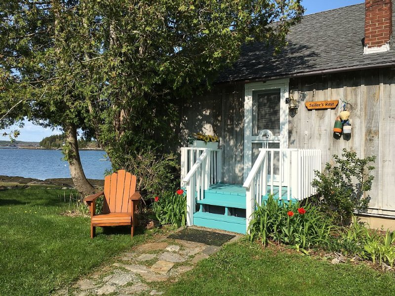 Your very own idyllic panoramic view, lobster boats, kayaking, sunrises, private, alquiler de vacaciones en Harpswell