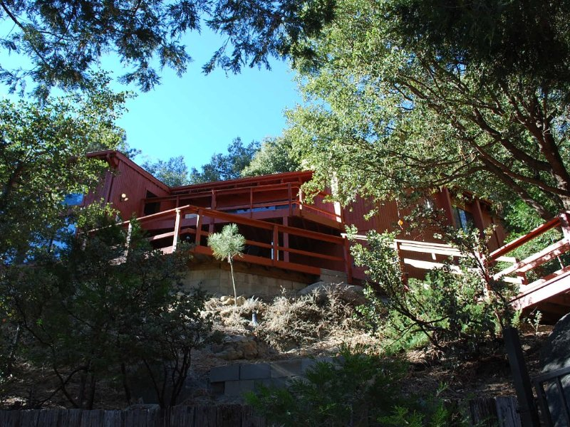 Eagle Rest Lodge - Upscale Seclusion with Dramatic Views,, alquiler de vacaciones en Idyllwild