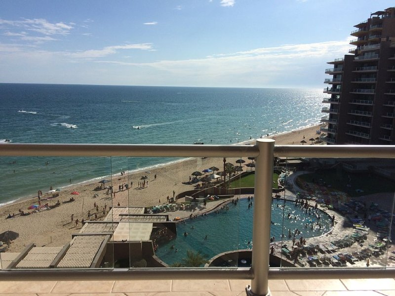 True Ocean Front with Amazing Ocean & Sunset Views! Lowest Rates Allowed!, casa vacanza a Puerto Penasco