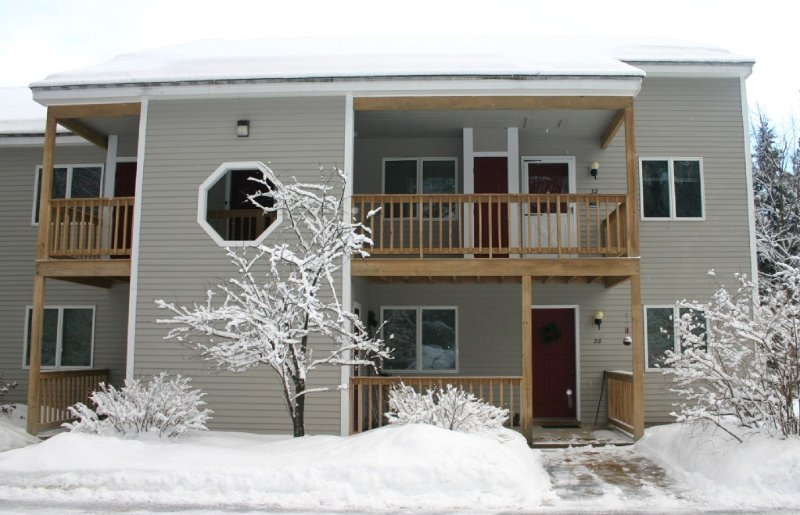 Spacious North Conway 2nd Floor Condo, holiday rental in North Conway