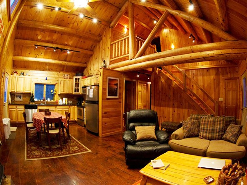 Adirondack Log Home For Rent Near Lake Placid NY In Adirondack State Park, holiday rental in Lyon Mountain