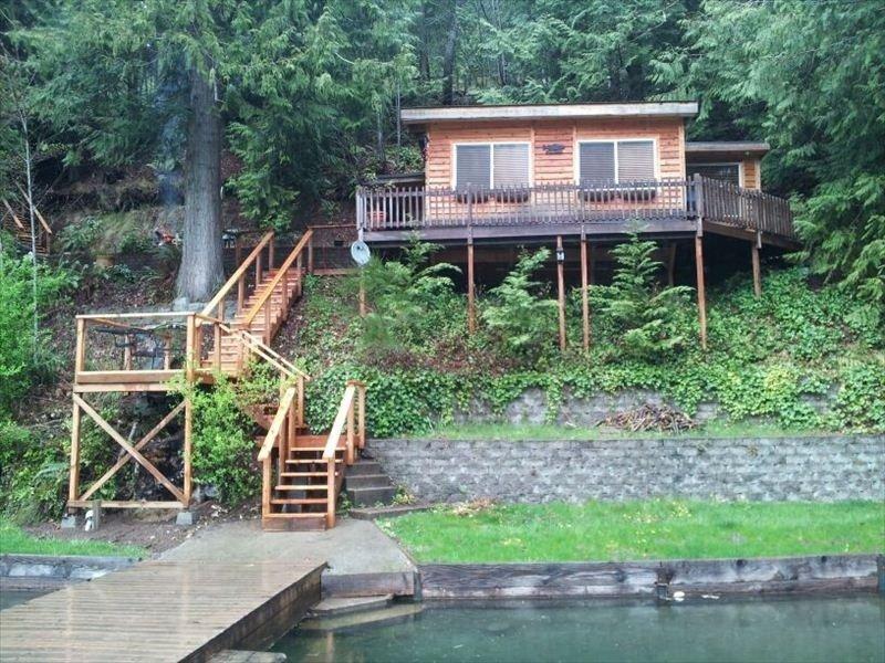 Cozy Cabin Rental on Lake Sutherland, alquiler de vacaciones en Port Angeles