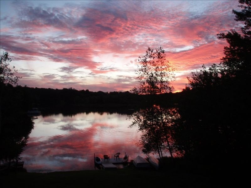 5 Bedroom Lakefront Beautiful Year Round, vacation rental in Pocono Lake