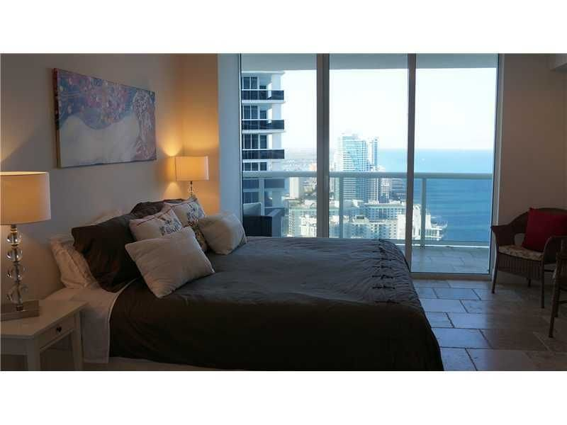 Luxury Beach Front Furnished Apartment at The Beach Club, holiday rental in Bay Harbor Islands